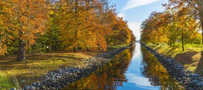 Fall is a wonderful time to enjoy shopping, dining, and the wonderful sights in Frenchtown, Hunterdon County NJ